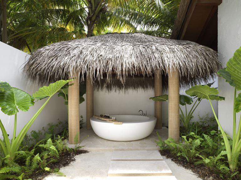Курортный отель Fairmont Maldives Sirru Fen Fushi на Мальдивах - спа