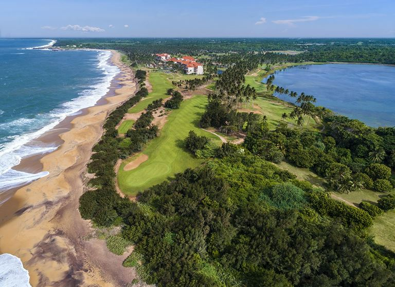 Гольф-курорт Shangri-La's Hambantota Resort & Spa на берегу океана острова Шри-Ланка