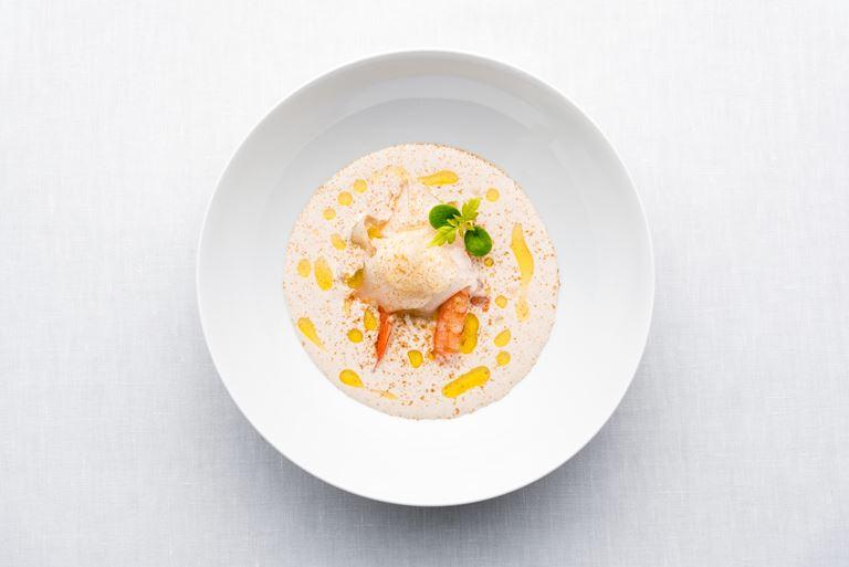 Ресторан Aragu курорта Velaa Private Island - кокосовый суп
