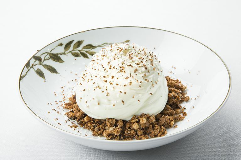 Ресторан SOLC отеля Majestic Hotel&Spa Barcelona - десерт с кокосовым кремом