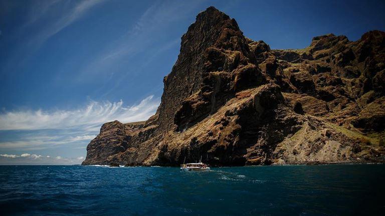 Летний отдых на Тенерифе - базальтовые скалы Лос Гигантес