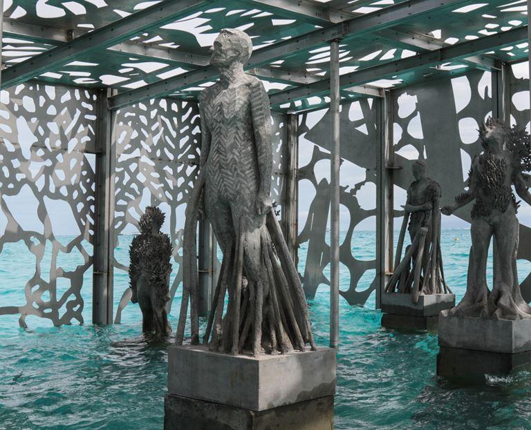 Coralarium - подводный музей на курорте Fairmont Maldives Sirru Fen Fushi