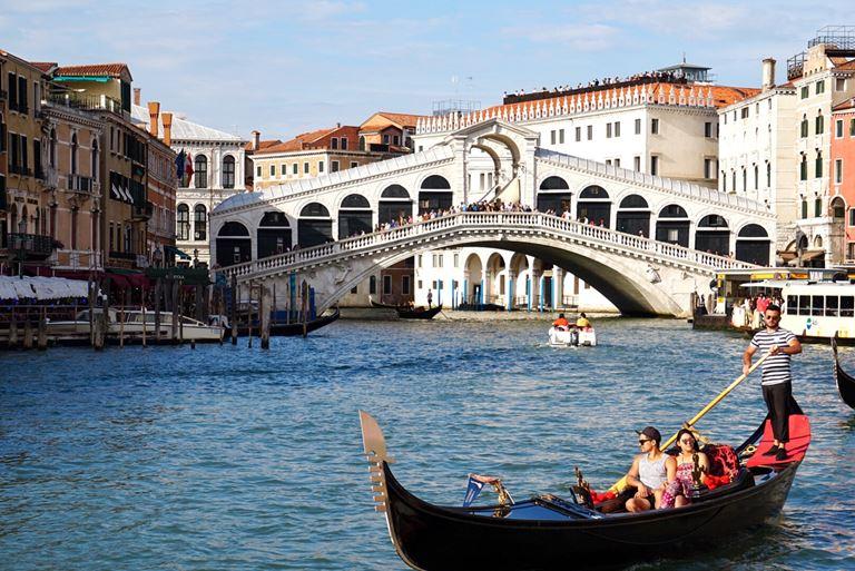 6 атмосферных городов Европы, стоящих на воде - Венеция (Италия)