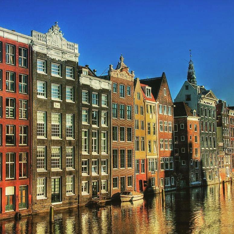 Города Европы с красивыми «пряничными» домиками - Амстердам (Нидерланды)