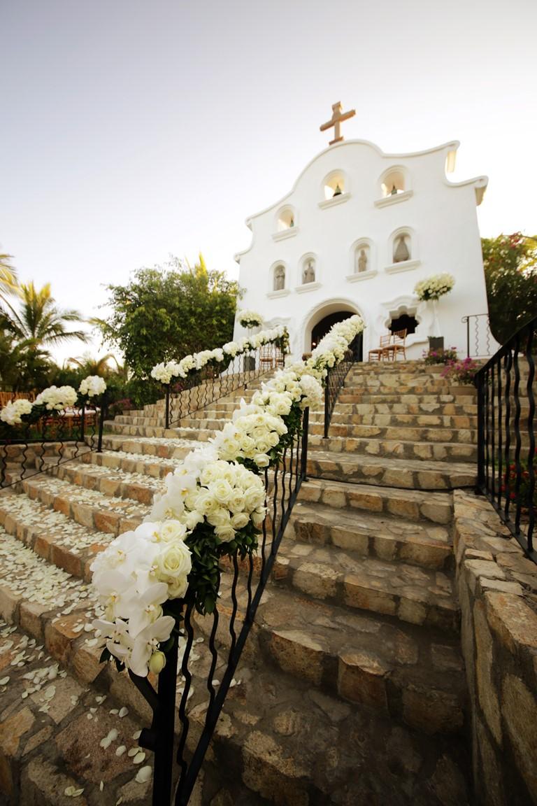 Свадьба мечты на курортах One&Only - церемония в старинной часовне на курорте One&Only Palmilla