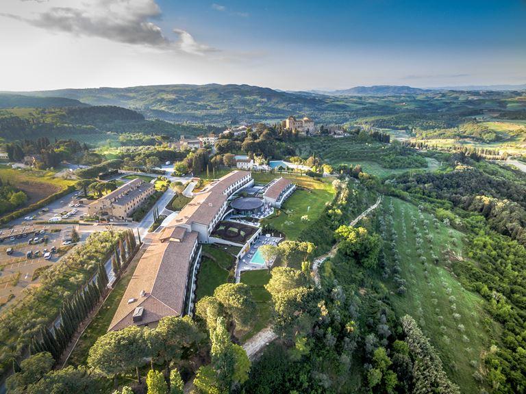 Рождество и Новый год в Toscana Resort Castelfalfi
