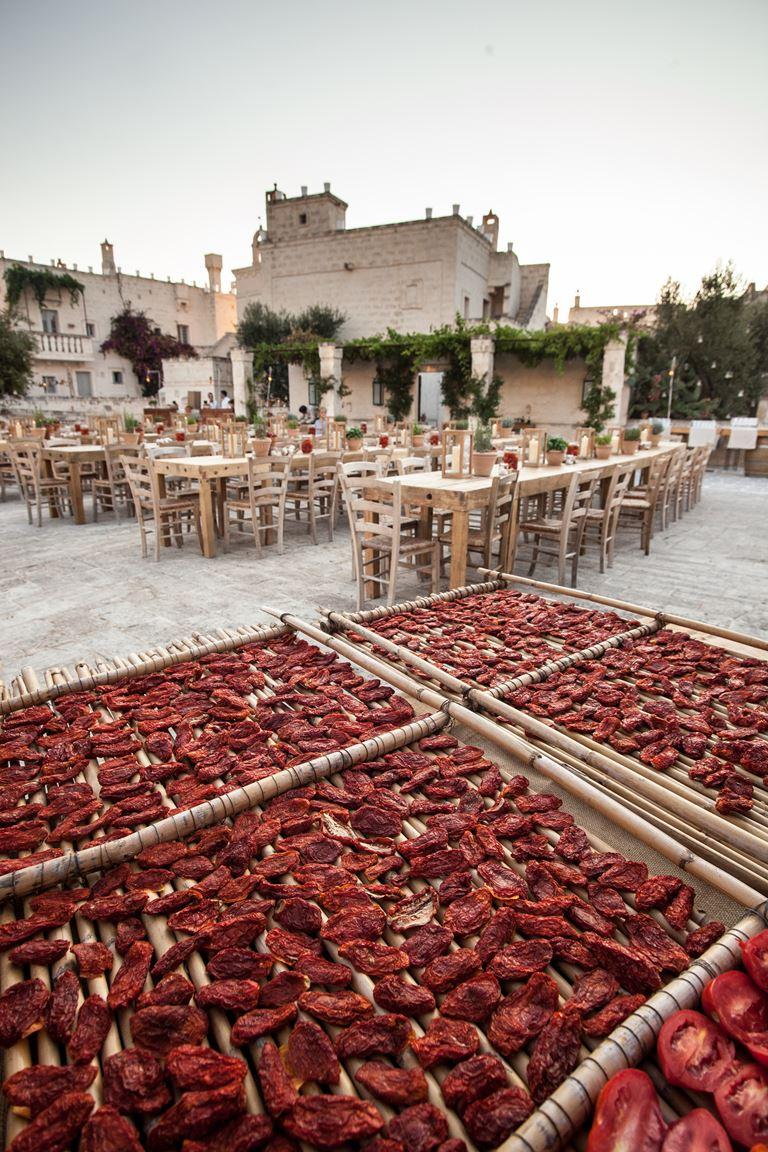 Фестиваль томатов в Borgo Egnazia - вяленые томаты
