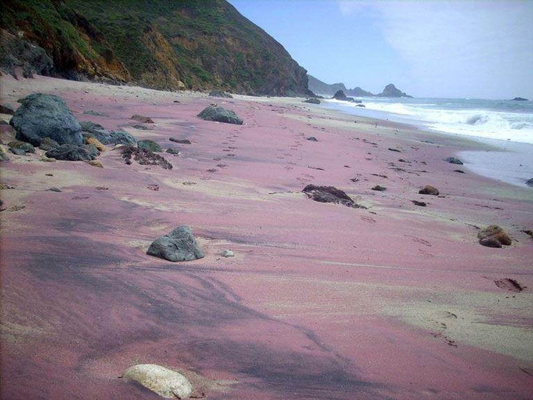 Цветные пляжи мира - Сиреневый пляж Пфайффер (Биг Сюр, калифорния, США)