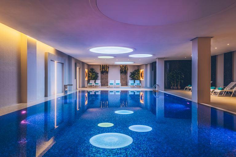 Iberostar Grand Perast - курортный отель в Черногории - бассейн