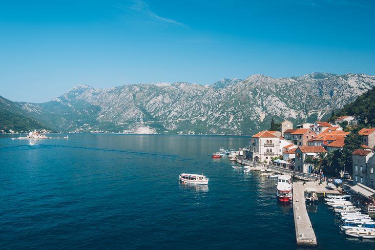 Iberostar Grand Perast - курортный отель в Черногории - вид на Которский залив