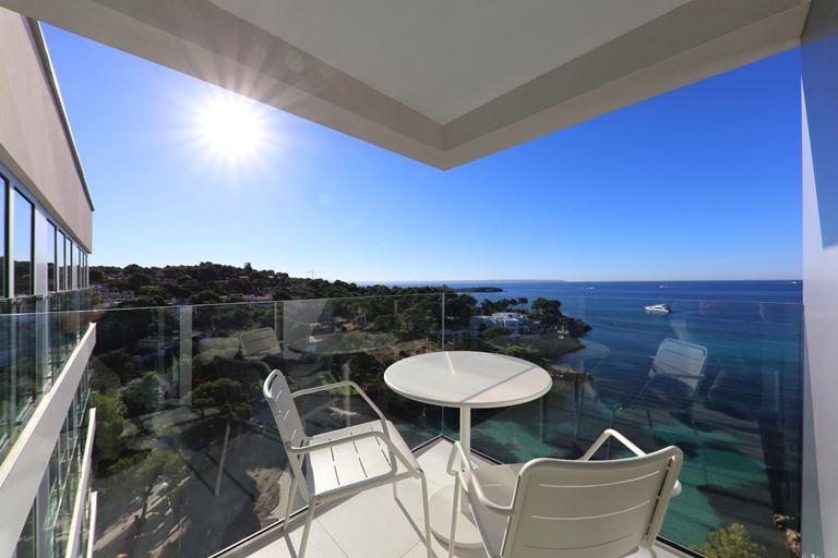 Iberostar Grand Portals Nous - вид на Средиземное море с террасы отеля