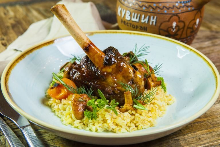 Ctзонное меню в грузинском ресторане «Кувшин» - баркали - томленая голень ягненка