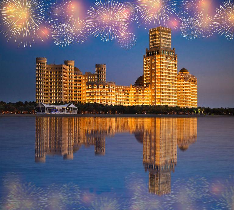 Насладитесь невероятным фейерверком  в канун Нового года в отеле Waldorf Astoria Ras Al Khaimah