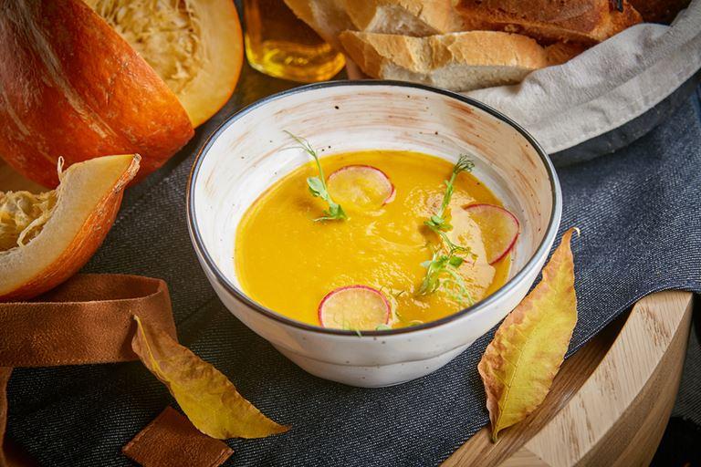 Фестиваль тыквы в LITTLE GARDEN Kitchen&Bar - крем-суп из тыквы