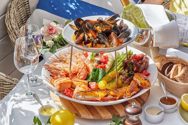 Шоу-блюдо «Гранд» в ресторане «Магадан» на Красном Октябре