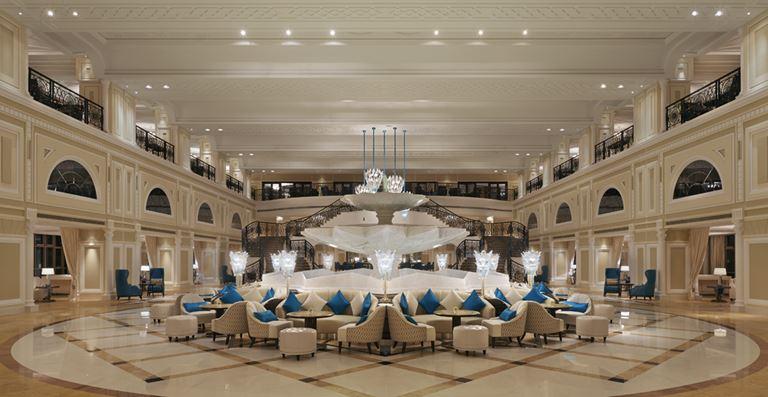 Атмосфера праздника в отеле Waldorf Astoria Ras Al Khaimah - Peacock Alley