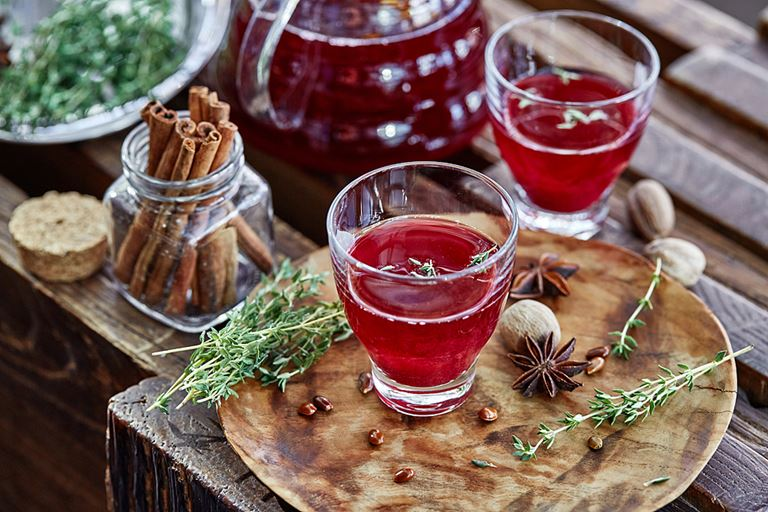 Сезонные чаи и коктейли в панорамном ресторане Sixty - чай «Деревянная ягода»