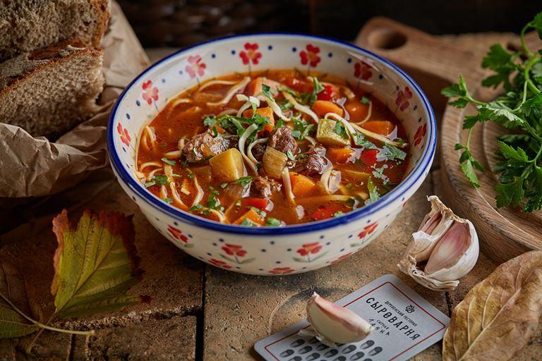 Восемь новых блюд в ресторанах «Сыроварня» - Мясной деревенский суп