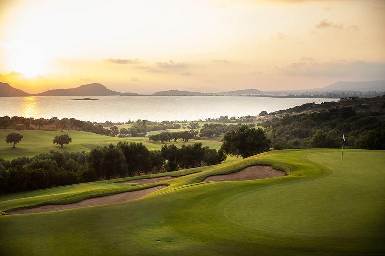 Хосе Мария Оласабаль станет дизайнером гольф-полей в Costa Navarino - фото 2