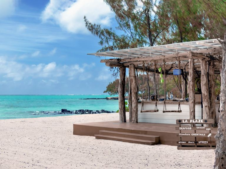 Four Seasons Resort Mauritius at Anahita объявил об открытии эксклюзивного пляжа на острове Ile Aux Cerfs