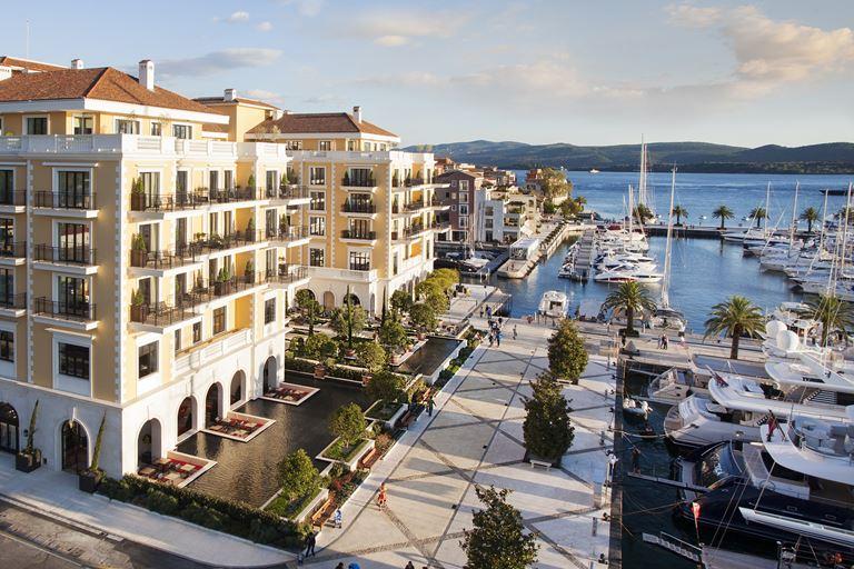 Новогодняя сказка в Regent Porto Montenegro