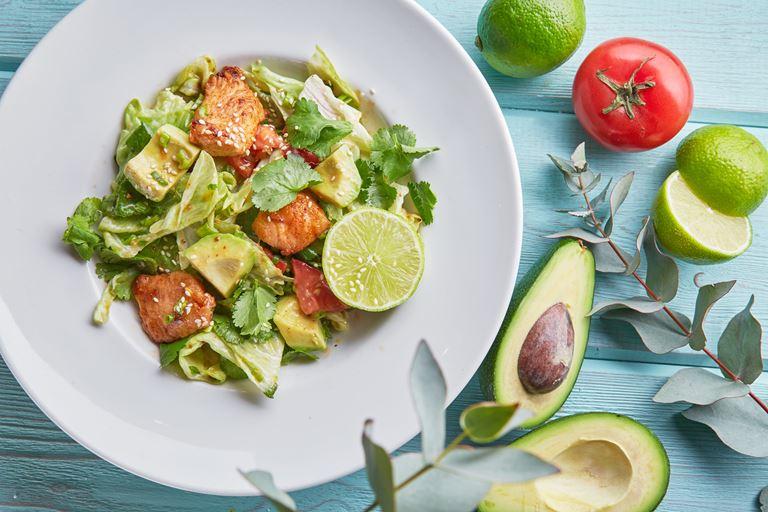 Польза по-итальянски: кафе «Руккола» за правильное питание - Салат из индейки с авокадо