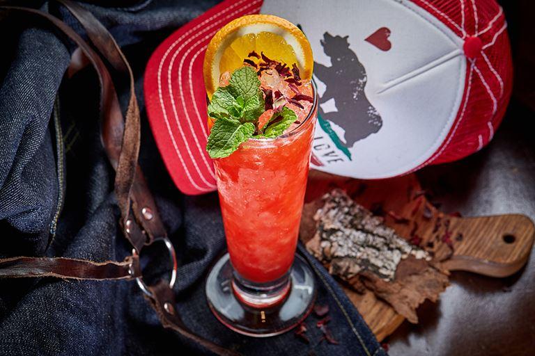 Новые сезонные напитки в «Сыроварнях» Москвы -  коктейль «ПейшенАл» на бурбоне