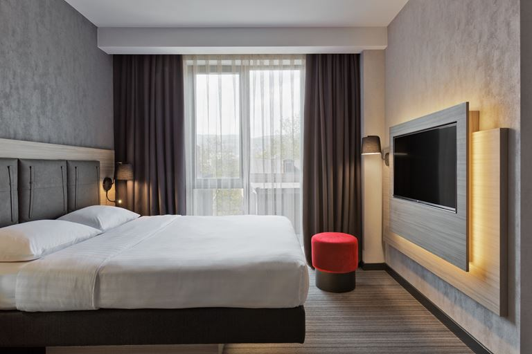 Отель Moxy в Тбилиси, Грузия - фото 8