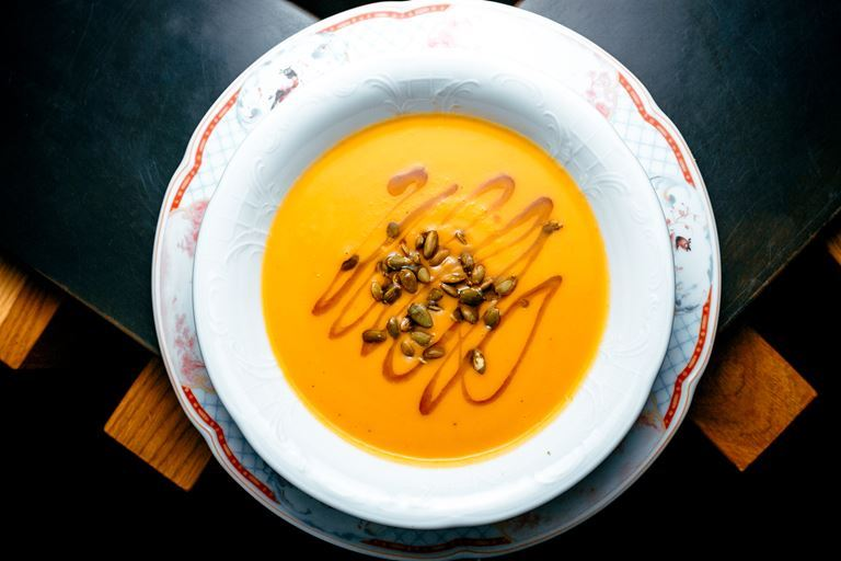 Новые блюда в «Кафе Дружба. Мануфактура еды» - тыквенный суп с семечками