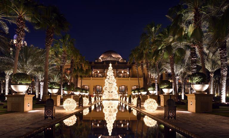 Рождественское настроение на курортах One&Only - One&Only Royal Mirage