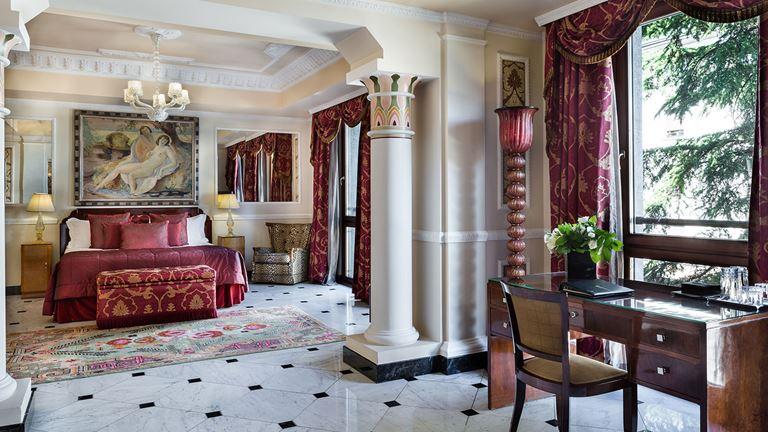 Baglioni Hotel Carlton, Milan suite