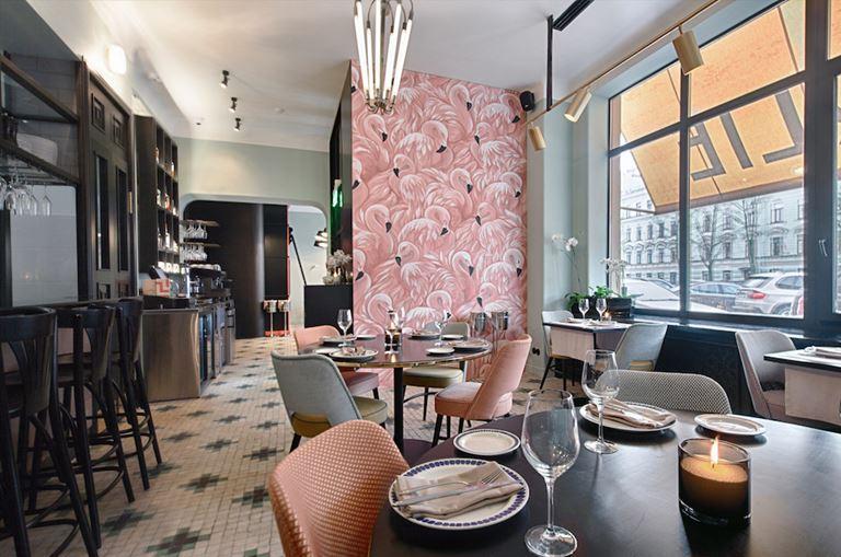 Charlie - тот самый ресторан Петербурга с розовыми фламинго