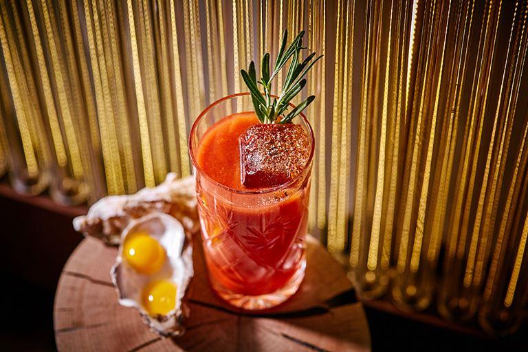 Новые коктейли в Sixty - Red Snapper