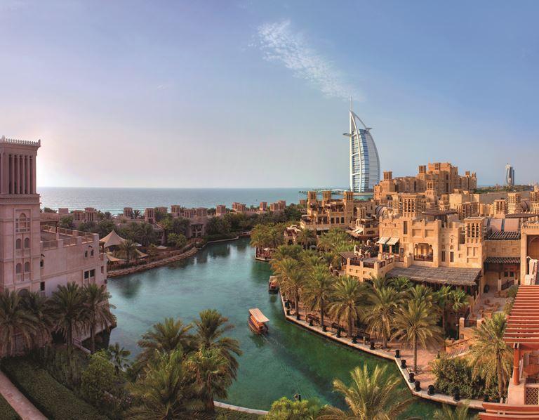 Отель-дворец Jumeirah Al Qasr в Дубае