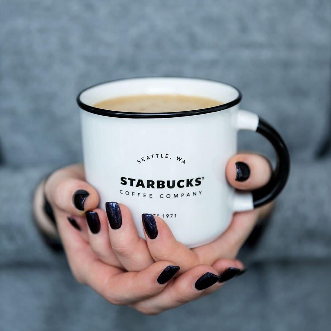 Starbucks объявляет распродажу кружек и тамблеров до 3 февраля