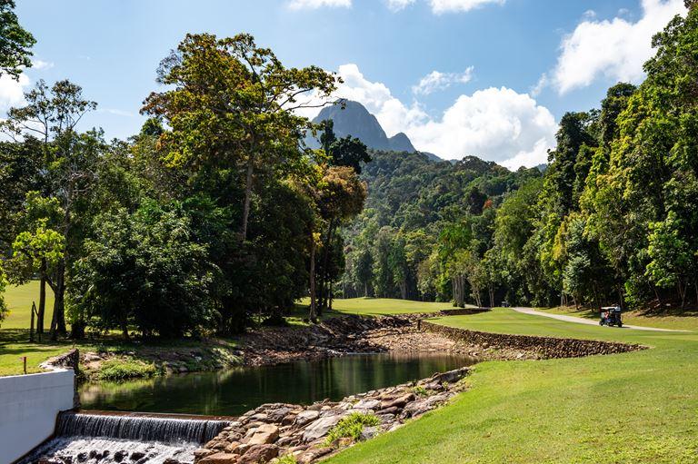 Курорт The Datai Langkawi (остров Лангкави, Малайзия) -  гольф-полеThe Els Club Teluk Datai