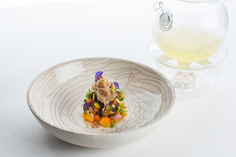 Гастрономическое путешествие в ресторане «Аист» от Мирко Дзаго - «Яйцо Фаберже»