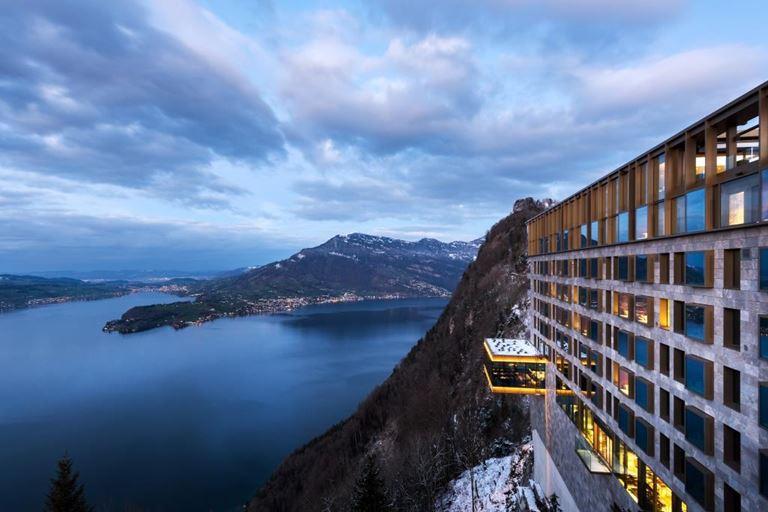 Burgenstock Hotels & Resorts – швейцарский горноклиматический курорт с историей