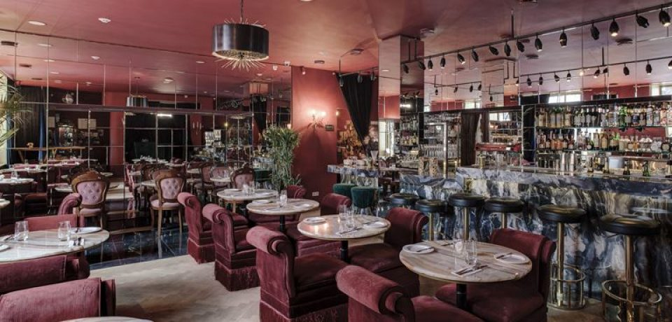 Новое место силы в Москве: Courage Champagne & Oysters Bar