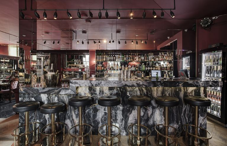 Новое место силы: Courage Champagne & Oysters Bar - фото 1