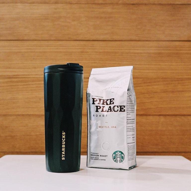 Стильные подарки от Starbucks на 23 февраля - кофе Pike Place и модный тамблер