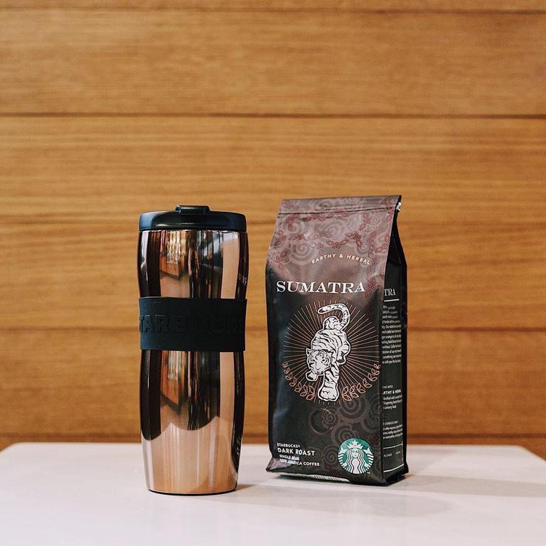 Стильные подарки от Starbucks на 23 февраля - кофе Sumatra и керамическая кружка