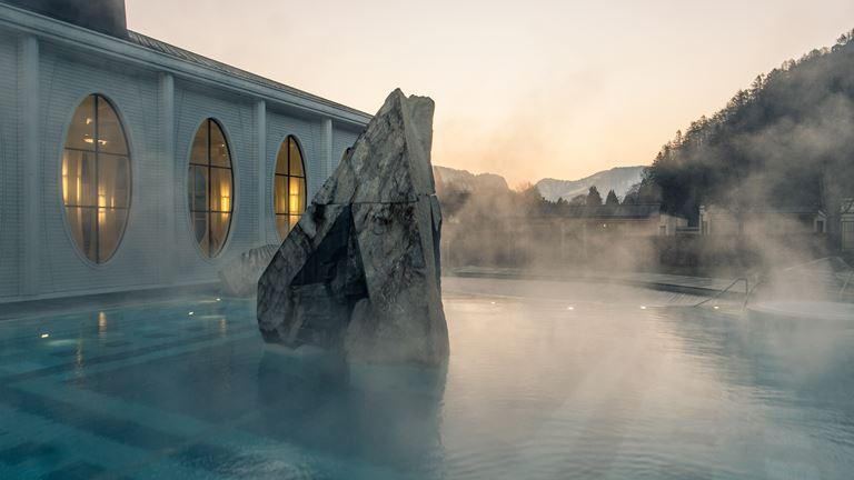 Ragaz Sauna Village с самой большой сауной в Швейцарии - фото Tamina Therme