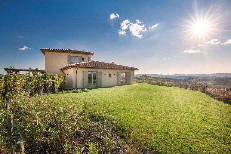 Недвижимость в Toscana Resort Castelfalfi - фото