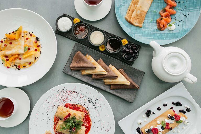 Праздники на высоте: ресторан Sixty приглашает на 8 Марта и Масленицу