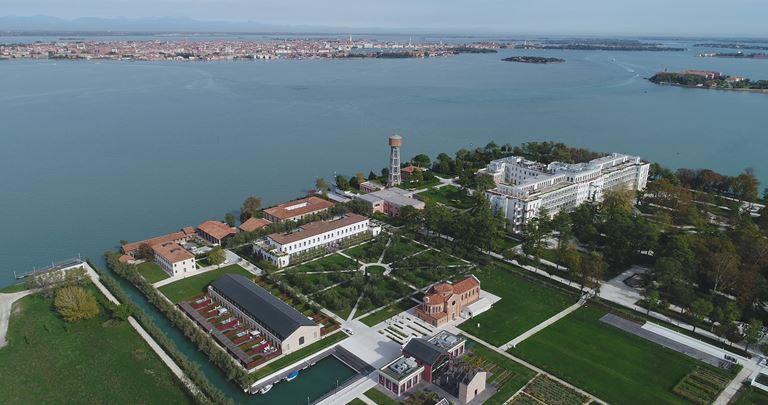 Гастрономический фестиваль «Gather by JW» в Венеции
