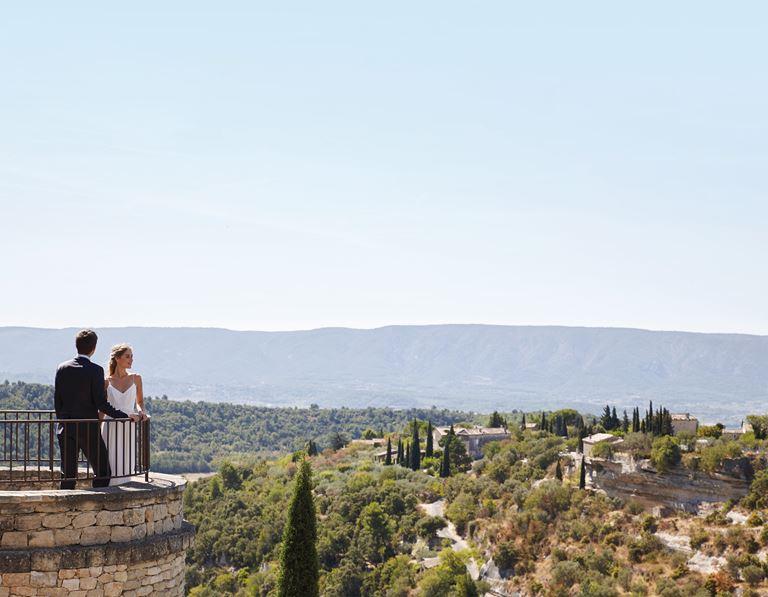 Свадьба с видом на долину Люберон в отеле La Bastide de Gordes (Горд, Франция) - фото 2