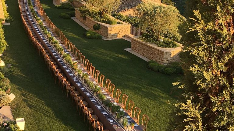 Свадьба с видом на долину Люберон в отеле La Bastide de Gordes (Горд, Франция) - фото 5