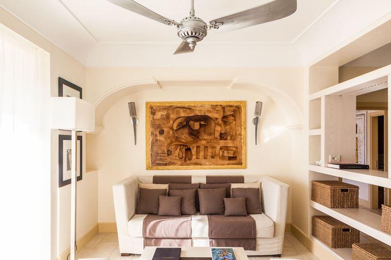 Оригинальные сьюты в отеле Capri Palace - фото - Monroe Suite