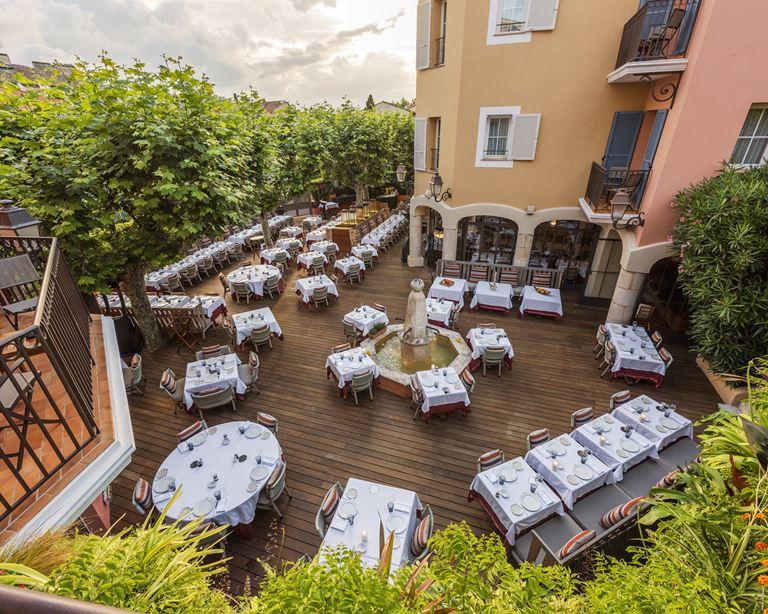 Легендарный отель Byblos в Сен-Тропе открывает ресторан итальянской кухни